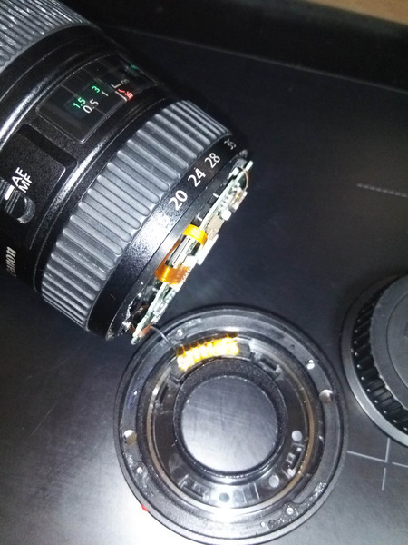 EF16-35mm F2.8L Ⅱ USMをつけたEOS 5D MarkⅢを椅子から落としたら折れた